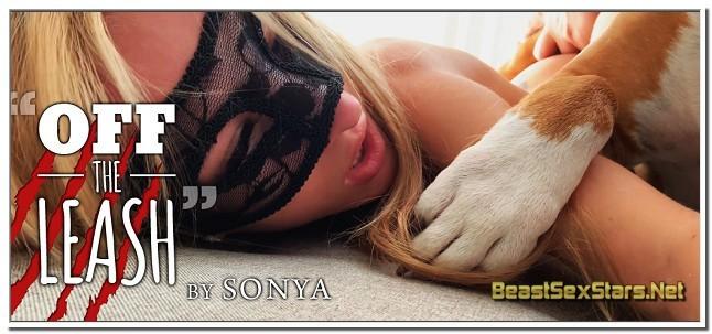 Sonya - Off The Leash - The Lovely Sonya bids us a Beautiful Christmas Goodbye