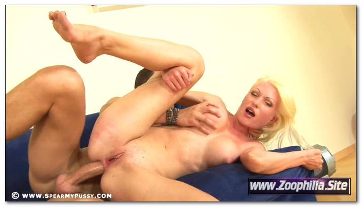 Jenny Simpson - SpearMyPussy.com