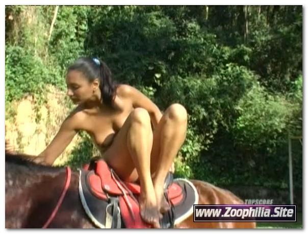 Topscore - Horse Loves Ass